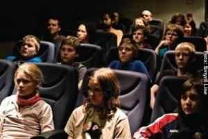 Island Fähre Kino